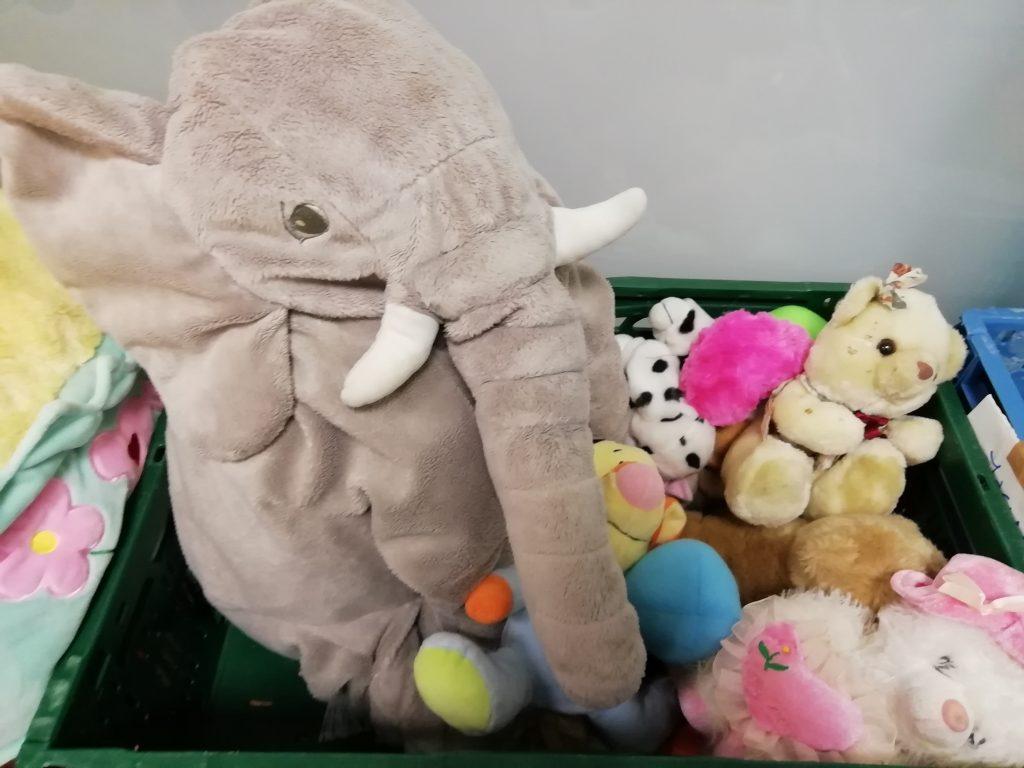 donación de juguetes para mares adolescentes  preinfant scaled